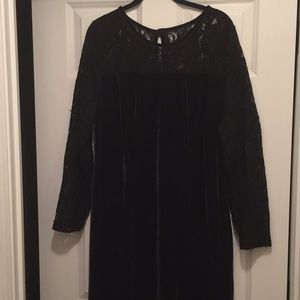 Fancy formal black Lacey velour dress!! 💃♥️👏👏